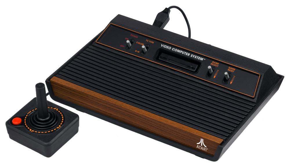 так выглядела одна из первых приставок Atari 2600